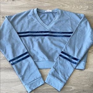 V neck pullover in dusty blue